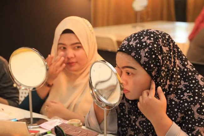 teknik makeup mengikut tema