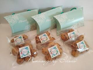 pillow and cookies doorgift