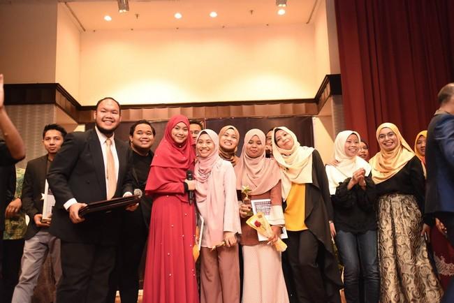 mencari sukarelawan muslim volunteer