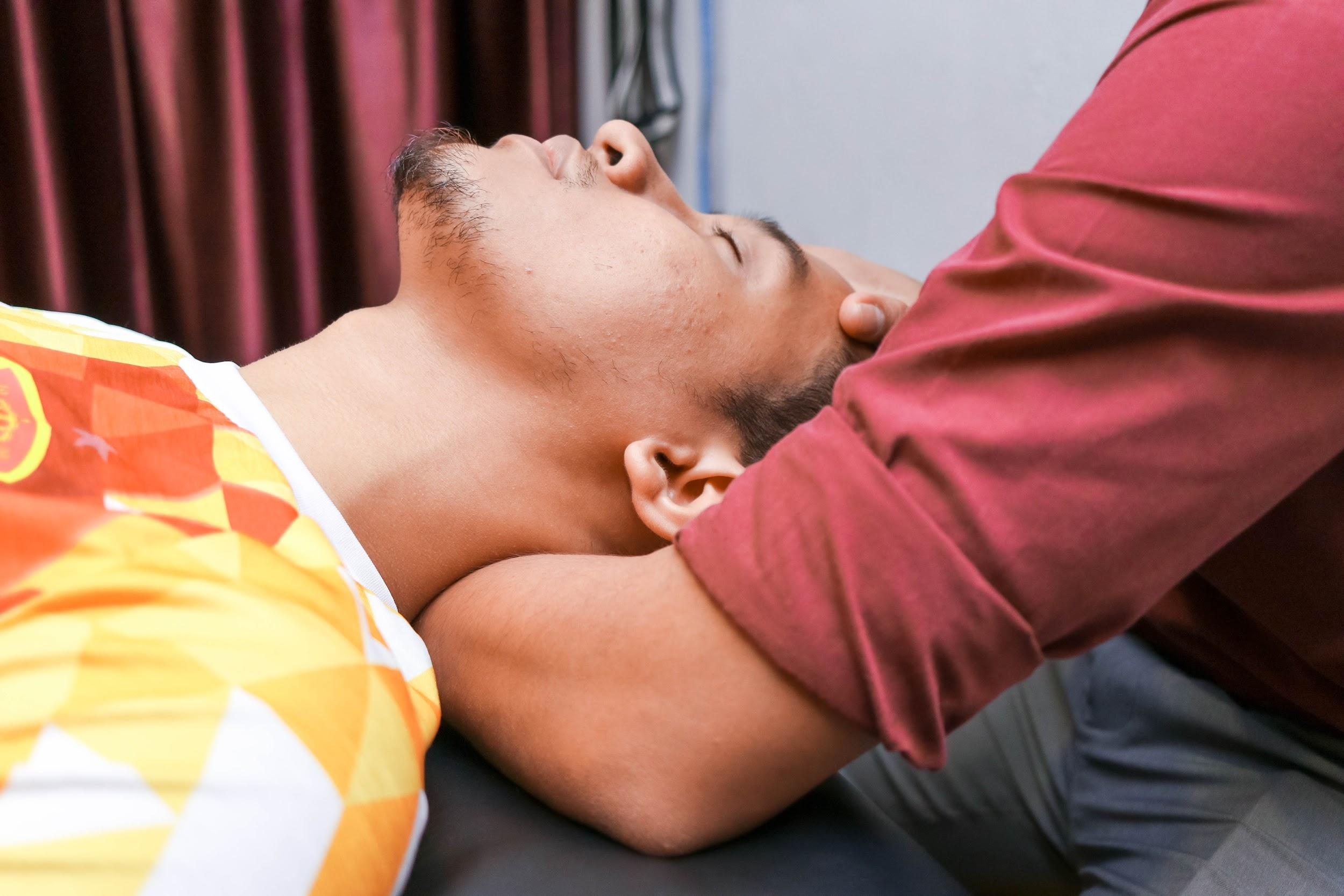 Pusat Rawatan Sakit Belakang Murah