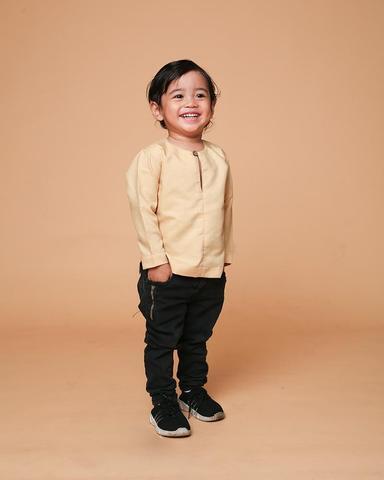 pemilihan jenis baju yg sesuai dengan iklim malaysia